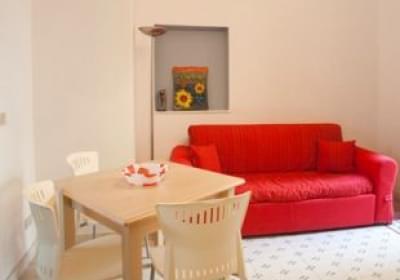Casa Vacanze Appartamento Il Cortile Fiorito Srl